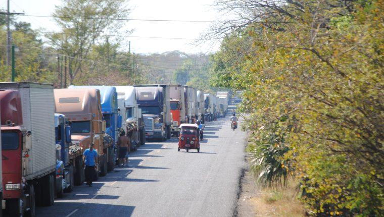 El comercio terrestre podría ser, a consideración de Asíes, uno de los puntos a retomar pasada la crisis del covid-19. (Foto: Prensa Libre: Hemeroteca)