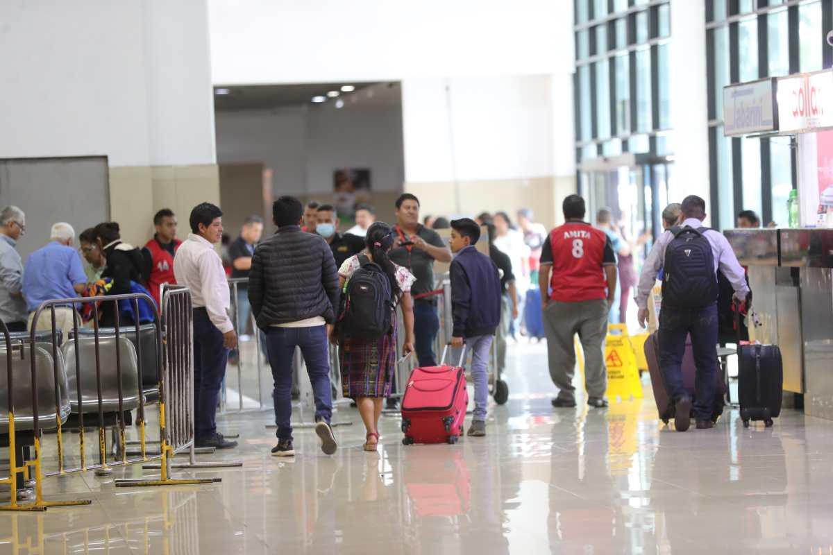 Coronavirus: tres líneas aéreas de EE. UU. suspenden vuelos a Guatemala