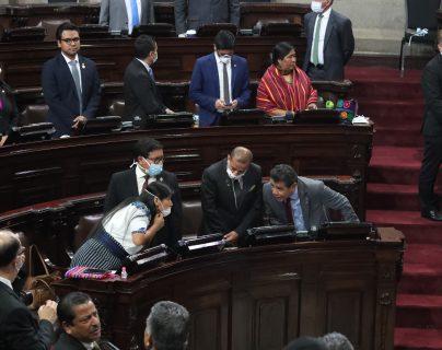 Diputados sesionarán este martes para aprobar leyes encaminadas a contener la crisis económica generada por el covid-19. (Foto Prensa Libre: Hemeroteca PL)