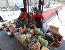 Vendedores ambulantes  en la zona 1, les a bajado sus ventas debido al toque de queda por lo del Coronavirus   Fotograf'a. Erick Avila:                   26/03/2020