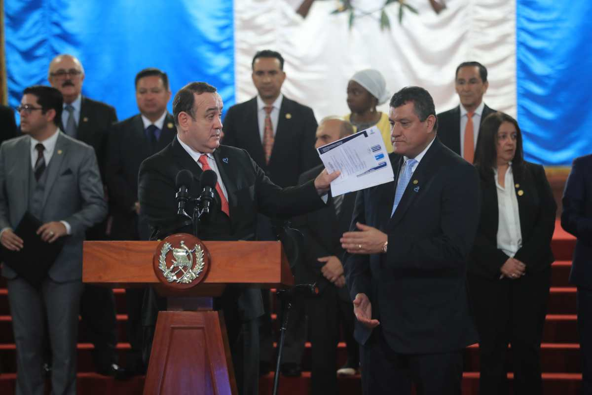 Ley de ONG: CC ampara a organizaciones y suspende decreto 4-2020