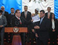El presidente Alejandro Giammattei firmó el decreto 4-2020 el27 de febrero último. (Foto Prensa Libre: Hemeroteca PL)