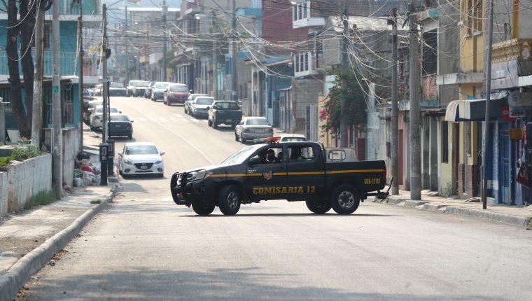 Quinto día del toque de queda en las colonias de la zona 18. (Foto Prensa Libre: Érick Avila)