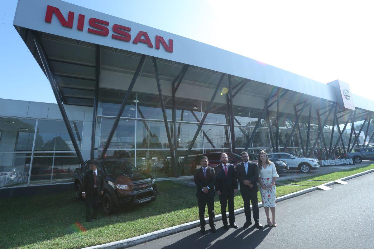 Excel abre las puertas del showroom más grande de Nissan en el país