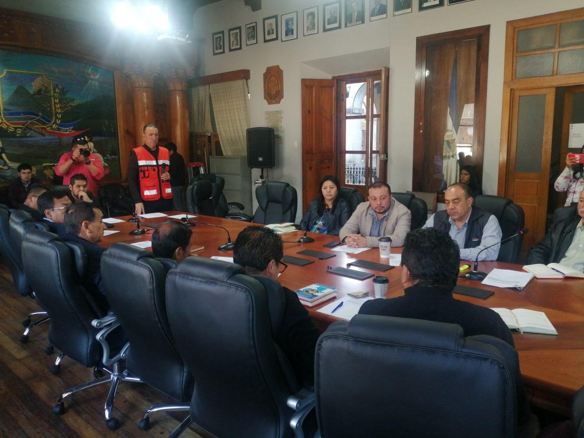 Coronavirus: autoridades de la comuna disponen cerrar espacios públicos municipales de Xela y restricciones para los centros nocturnos
