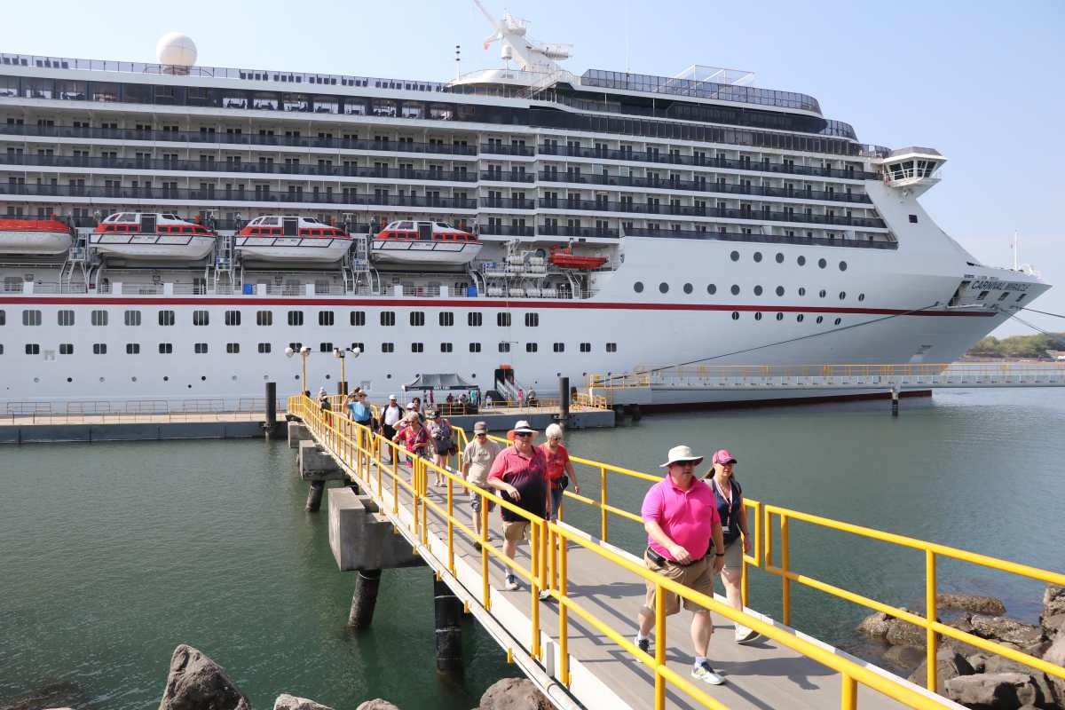 Coronavirus: Tres mil turistas que llegaron a Puerto Quetzal en 2 cruceros superaron protocolos de salud