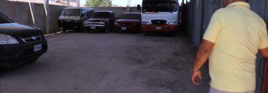 Transportista de San Antonio Ilotenango, Quiché, muestras sus unidades guardadas en un parqueo, (Foto Prensa Libre: Héctor Cordero)