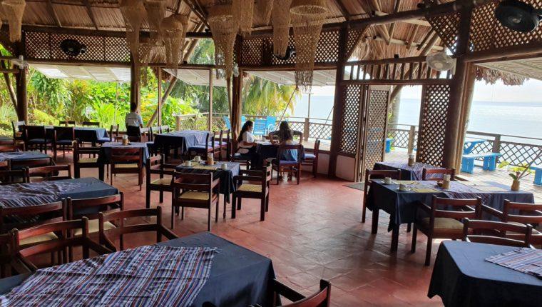 Restaurantes y hoteles cerrados o sin demanda por restricciones para evitar la propagación de coronavirus.  Foto con fines ilustrativos.(Foto, Prensa Libre: Hemeroteca PL).
