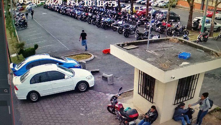 Según el MP, el capturado está involucrado en el robo de 22 vehículos en la Usac. (Foto Prensa Libre: MP)