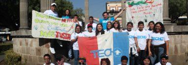 Voluntarios estarán en diferentes puntos de la ciudad para recibir la colaboración de vecinos. (Foto Prensa Libre: María Longo)