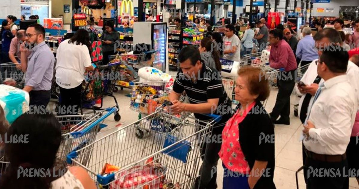 Coronavirus: guatemaltecos abarrotan supermercados mientras autoridades dicen que sí hay abastecimiento