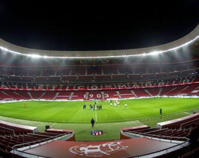 La Uefa confía que en el 2021 las cosas saldrán bien en la Eurocopa. (Foto Prensa Libre: EFE)
