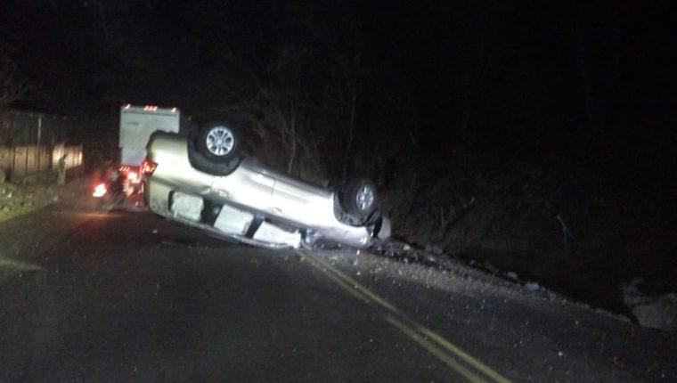 Las personas fueron atacadas mientras se conducían en una camioneta agrícola en dirección a Esquipulas. (Foto Prensa Libre: Elizabeth Hernández)