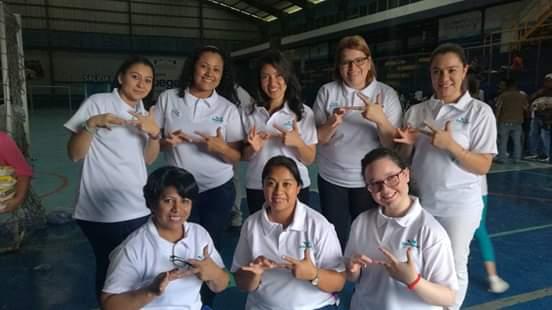 Instituciones se unen para apoyar a personas sordas durante la epidemia del coronavirus. (Foto Prensa Libre: Intergua).