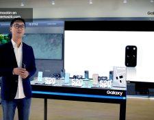 Jun Suk Hwang, gerente de móviles de Samsung, mostró las cualidades del Samsung Galaxy S20. Foto Prensa Libre: Cortesía