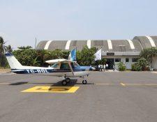 El presidente Alejandro Giammattei Falla, dijo que se busca habilitar un aeropuerto de carga en Escuintla a los socios de la Cámara Guatemalteca de la Construcción. (Foto Prensa Libre: Hemeroteca)