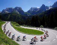 La Unión Ciclista Internacional está creando en conjunto con los equipos, corredores y organizadores un nuevo calendario de competencias. Foto Prensa Libre. AFP