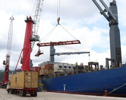 El sistema portuario nacional opera con normalidad los movimientos de carga y descarga para atender el suministro y abastecimiento en el país. (Foto Prensa Libre: Hemeroteca)
