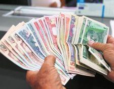 El numerario en circulación era de Q42 mil 343 millones y el Banguat garantiza el suministro de papel moneda a la economía. (Foto Prensa Libre: Hemeroteca)