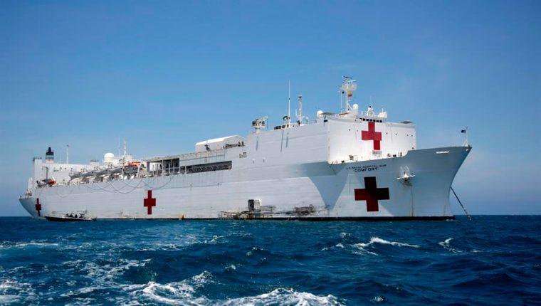 El barco, el USNS Comfort, cuenta con mil habitaciones. (Foto Prensa Libre: EFE)