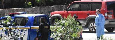 Personal del área de Salud de Quetzaltenango coordinó la evaluación de las dos mujeres que viajaron en el mismo avión que el primer guatemalteco diagnosticado con coronavirus. (Foto Prensa Libre: Cortesía Luis Rodas)