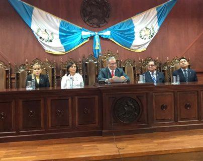 Cuatro de cinco magistrados de la CC dieron el amparo contra la reforma a la ley de ONG. (Foto Prensa Libre: Hemeroteca PL)