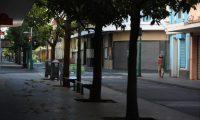 Comercios que no están dentro de las excepciones permanecen cerrados ante emergencia por coronavirus. (Foto Prensa Libre: Óscar Rivas)