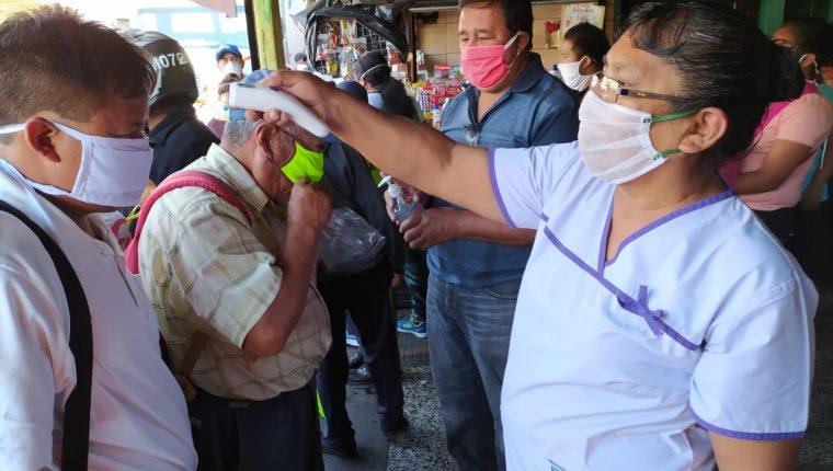 El Legislativo aprobó de urgencia una ley para ayudar a afectados por covid-19. (Foto Prensa Libre: Hemeroteca PL)