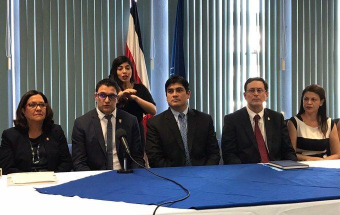 Autoridades de salud de Costa Rica informan en conferencia de prensa el primer caso confirmado de covid-19.