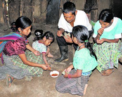 Según la ONU, 6 de cada 10 personas viven bajo el umbral de la pobreza, en su mayoría pueblos indígenas y comunidades rurales.(Foto Prensa Libre: Hemeroteca PL)