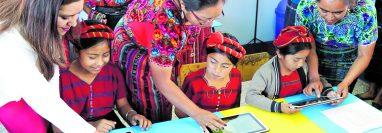 La contratación de maestros por parte del Mineduc no establece tener un buen punteo en las pruebas diagnósticas. (Foto Prensa Libre: Hemeroteca PL)