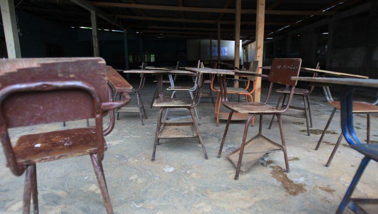 El Mineduc suspendió 21 días el ciclo escolar, mientras se preparan guías de estudio. Además, mostró materiales para tratar de avanzar en contenidos y no perder tiempo de clases. (Foto Prensa Libre: Hemeroteca PL)