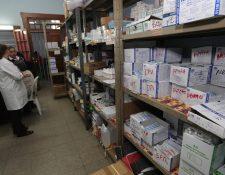 Las farmacias están dentro del grupo de negocios que podrán atender a la población durante el toque de queda. (Foto Prensa Libre: Hemeroteca PL)