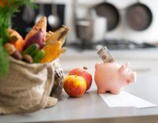 Familias deben establecer un nuevo presupuesto para superar la emergencia del coronavirus. (Foto Prensa Libre: Shutterstock)