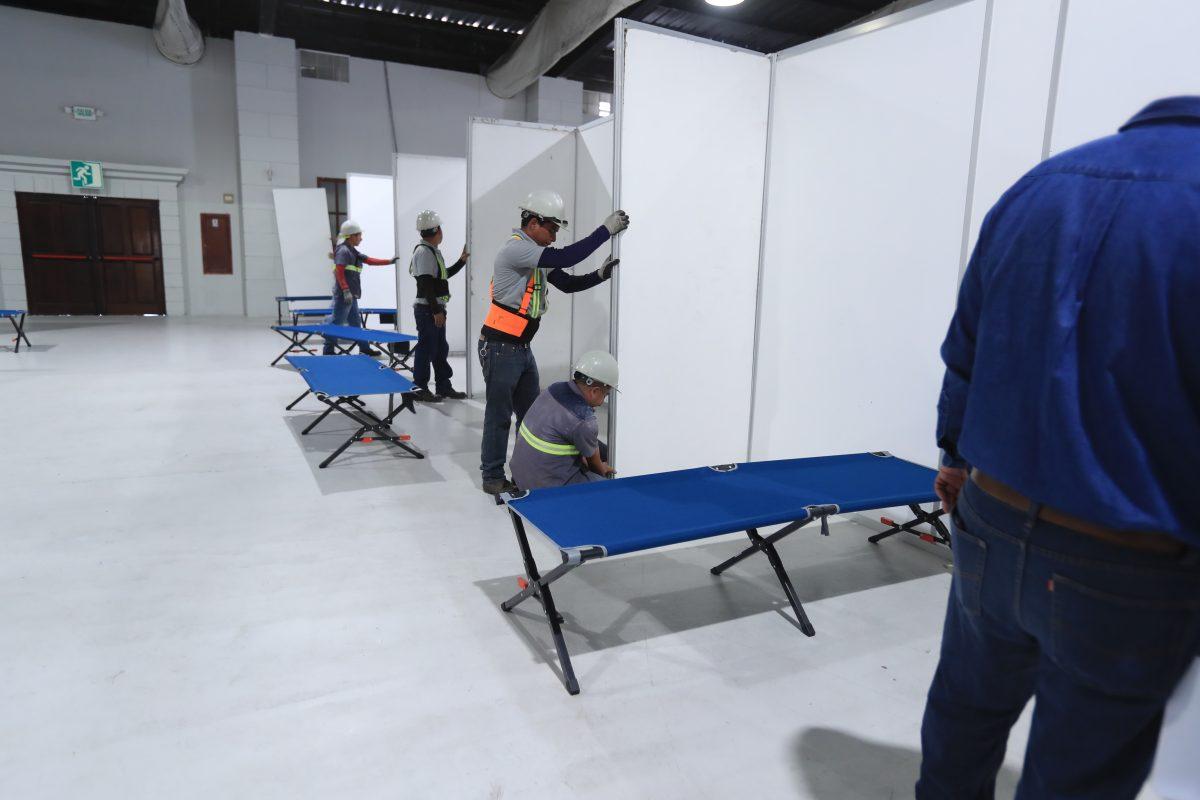 Trasladan equipos médicos para habilitar hospital temporal en Parque de la Industria