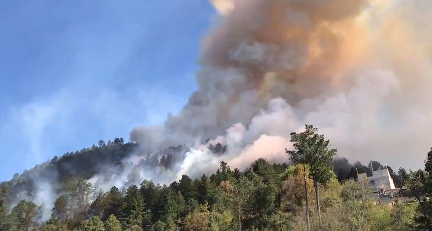 Dos incendios forestales afectan bosques comunales de Totonicapán