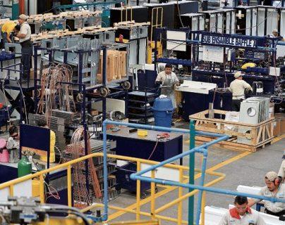 Nueve de las 17 actividades económicas alcanzarían un desempeño negativo en 2020 atribuido a los efectos del coronavirus, indicaron autoridades monetarias a un grupo de empresarios de la Cámara de Industria de Guatemala (CIG). (Foto Prensa Libre: Hemeroteca)