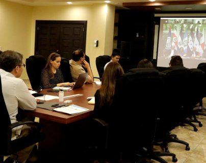 Los presidentes de Centroamérica y República Dominicana se reunieron a través de una videoconferencia para coordinar las acciones a realizar ante la emergencia del coronavirus. (Foto Prensa Libre: @JuanOrlandoH / Twitter)