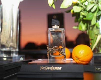 Perfumerías Fetiche presentó el eau de parfum Yves Saint Laurent. Foto Prensa Libre: Norvin Mendoza
