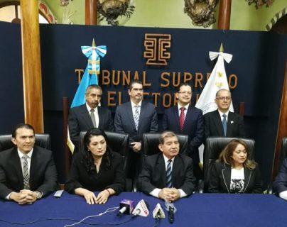 Los magistrados del TSE que asumiero el pasado 20 de marzo suspendieron el conteo de los plazos para la entrega de informes y de cancelación de partidos políticos. (Foto Prensa Libre: @TSEGuatemala)