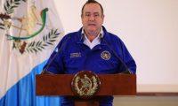 El presidente Alejandro Giammattei publicó nuevas disposiciones para prevenir la expansión de covid-19 en Guatemala. (Foto Prensa Libre: Hemeroteca)