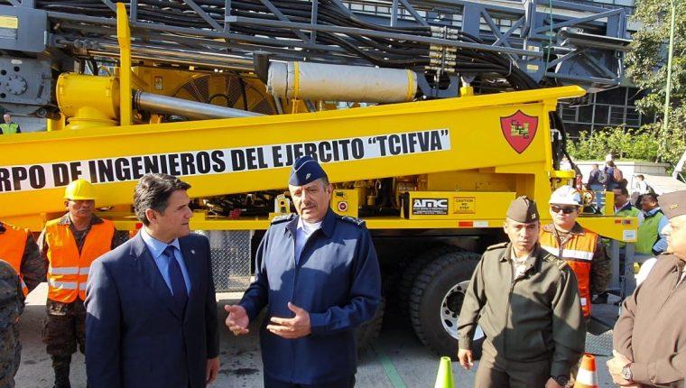 El Ministerio de la Defensa dará el equipo a la comuna capitalina para perforar los pozos. (Foto Prensa Libre: La Red)