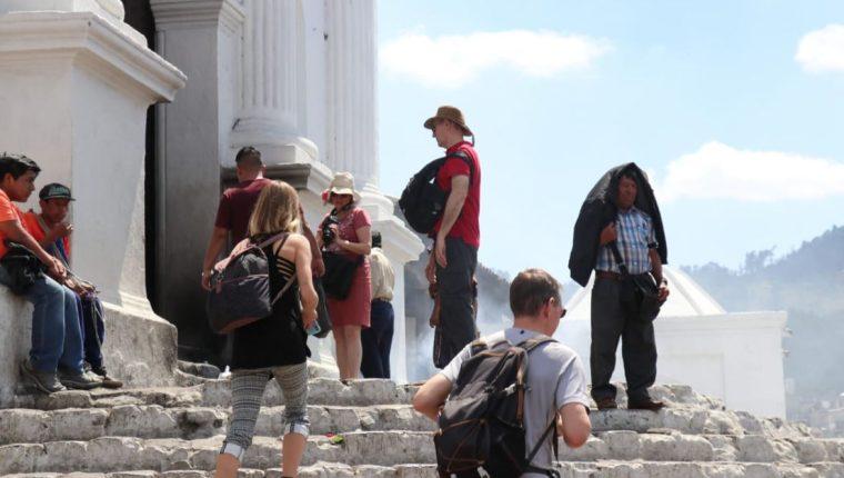 Miles de turistas visitan Quiché cada año por sus valores culturales y religiosos. (Foto Prensa Libre: Héctor Cordero)