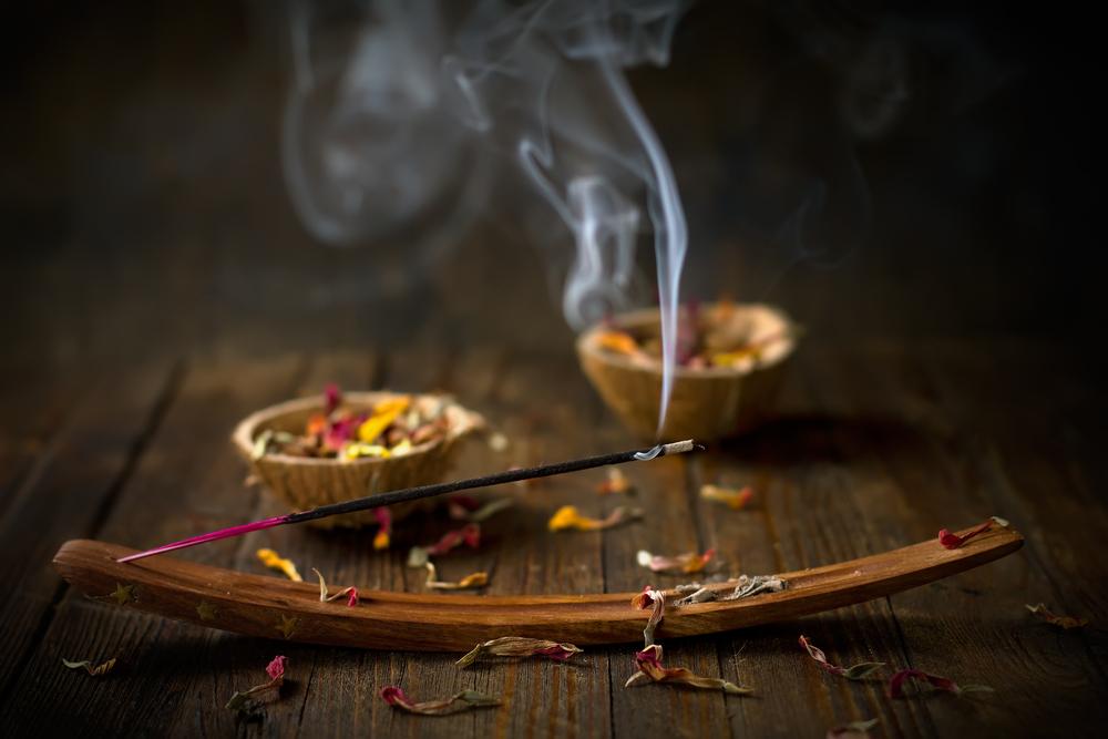 Alcance momentos de meditación y relajación con incienso