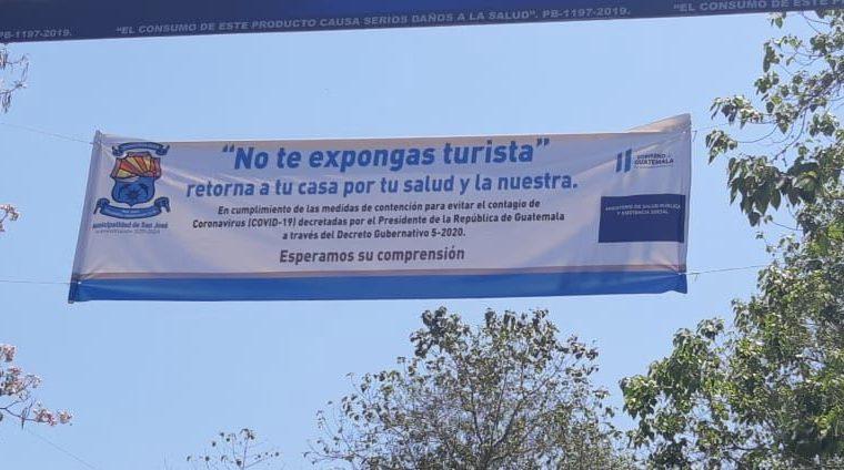 Guatemaltecos atendieron el llamado para no salir de casa y comerciantes piden no visitar lugares turísticos.