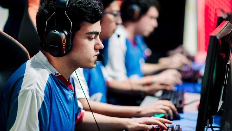 Reclasificación de juegos pone en riesgo a la industria de los eSports en México. (Foto Prensa Libre: EFE)