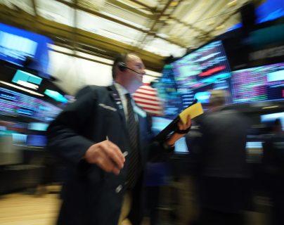 Wall Street suspende operaciones ante desplome. (Foto Prensa Libre: AFP)