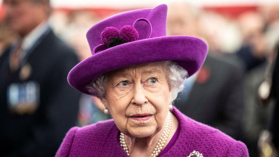"""Coronavirus   """"Tendremos éxito, y ese éxito pertenecerá a cada uno de nosotros"""": el inusual mensaje de la reina Isabel II por la pandemia de covid-19"""