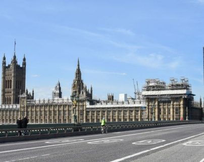 La novela html5-dom-document-internal-entity1-quot-endLockdownhtml5-dom-document-internal-entity1-quot-end contiene inquietantes similitudes con la realidad que vive Londres con el coronavirus.