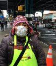 La peruana Elvira Zukazaka vende comida en las calles de Queens donde está el html5-dom-document-internal-entity1-quot-endepicentro del epicentrohtml5-dom-document-internal-entity1-quot-end de la pandemia.
